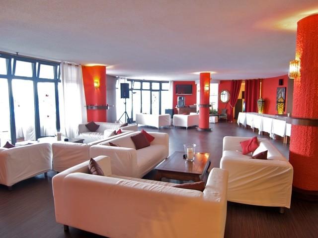 Zhan Lounge